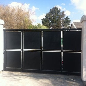 Semi closed sliding gate